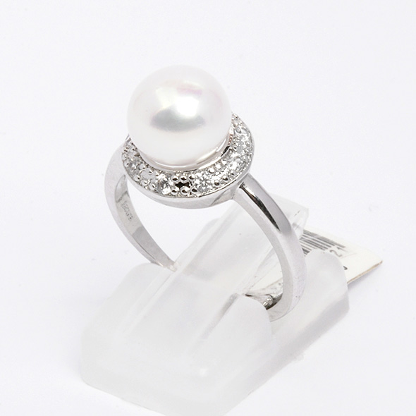 Silver ring with natural pearl Fabiana