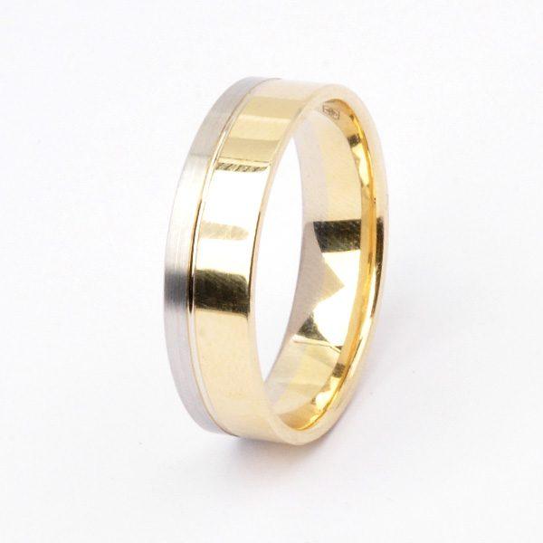 Yellow gold wedding ring Life
